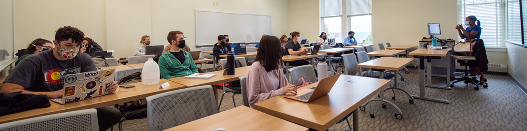 Picture of Students in a classroom in old main
